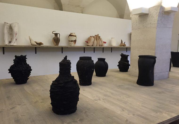 Ensemble de céramiques fumées, 2014-2015 © Isabelle Henricot